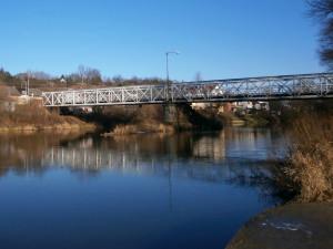 Z mostu přes Orlici v Hradci Králové bude nakonec zachována polovina