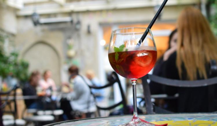 V Královéhradeckém kraji roste zájem o předzahrádky u kaváren či vinoték