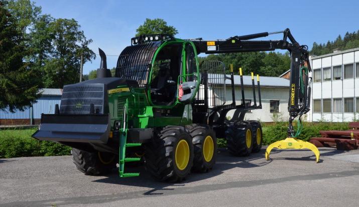 Lesnická akademie převzala nové stroje za téměř 23 milionů korun