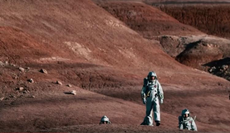 TRAILER TÝDNE: Čeští turisté se vypraví na rudou planetu