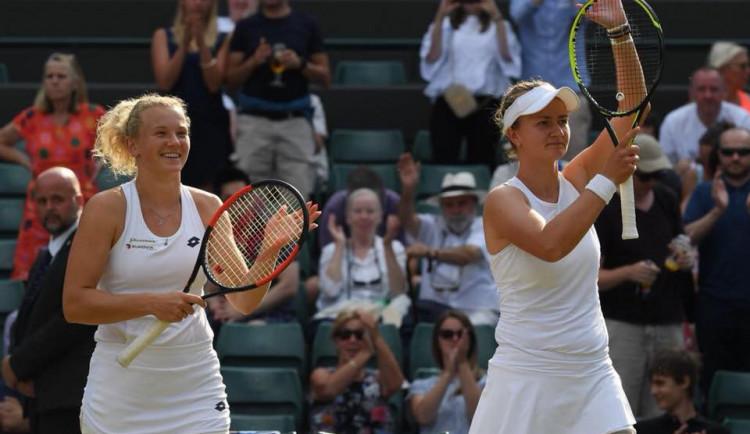 Siniaková s Krejčíkovou ovládly finále wimbledonské čtyřhry. Porazily česko-americký pár Peschkeová, Melicharová