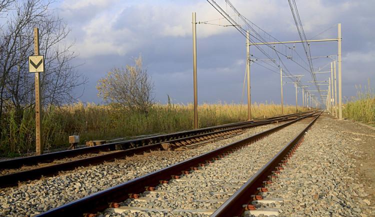 Opravy zastaví vlaky na Náchodsku, pokračuje i výluka na Prahu