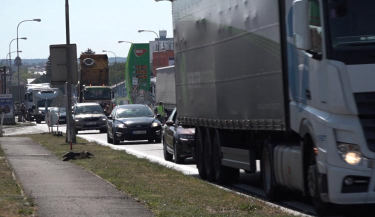 Hlavní opravy v Koutníkově ulici v Hradci Králové končí
