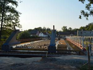 Stavba mostu přes Orlici v Hradci Králové jde do závěrečné fáze