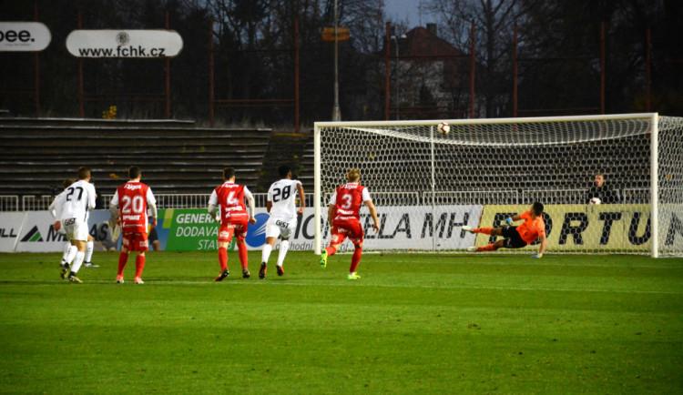 FOTO/VIDEO: Derby v režii Votroků! Hradec převálcoval Pardubice, rozhodl první poločas