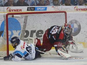 Zápas obratů. Tygři porazili Hradec gólem v prodloužení 4:3