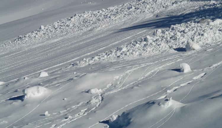 V Krkonoších po sněžení stouplo nebezpečí lavin na čtvrtý stupeň