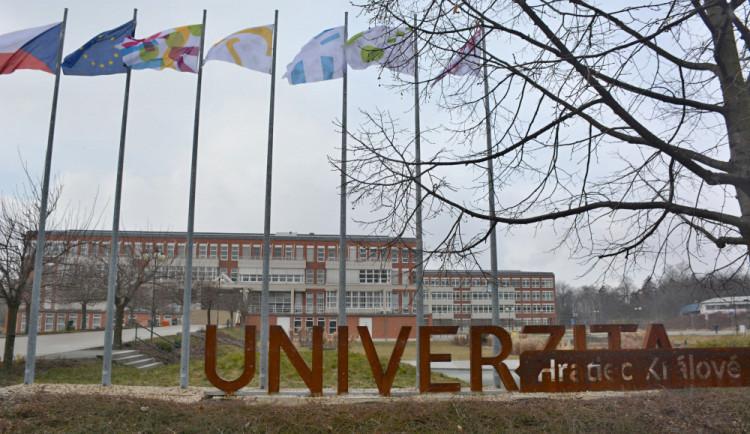 Přírodovědecká fakulta Univerzity Hradec Králové má nového děkana