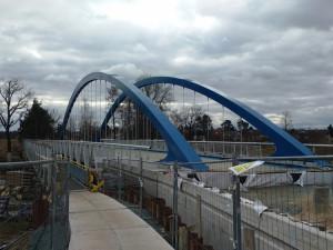 Stavba mostu ve Svinarech pokračuje, hotovo má být v květnu