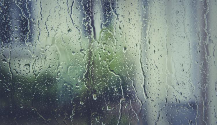 POČASÍ NA NEDĚLI: Hlásí chladno a deštivo