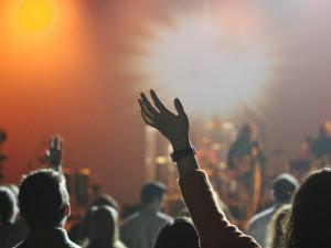 Léto v hradeckém kraji oživí velké festivaly i menší akce