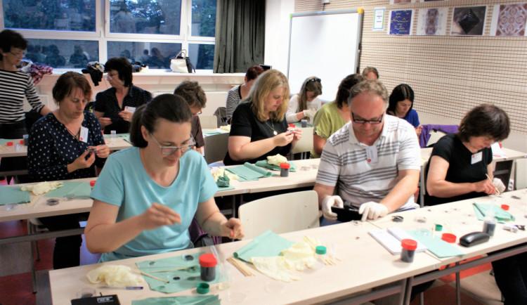 V Královéhradeckém kraji se poslední květnový víkend rapidně zvýší koncentrace učitelů fyziky
