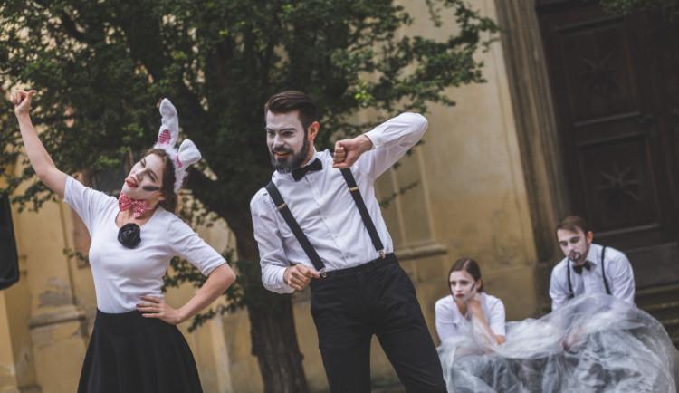 Narozeninové slavnosti divadelního festivalu vHradci Králové