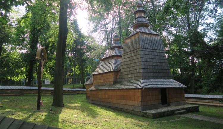 Dřevěný kostel sv. Mikuláše je jako nový, na začátku července se otevře veřejnosti