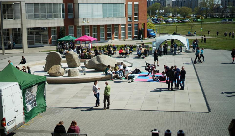Univerzita chce v kampusu náměstí pojmenovat podle Václava Havla