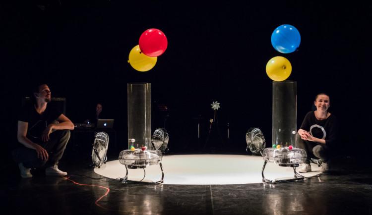 SOUTĚŽ: Divadlo Drak uvede na festivalu představení pro batolata