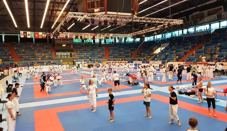 Mistrovství světa v karate v Hradci se pokusí o zápis do Guinnessovy knihy