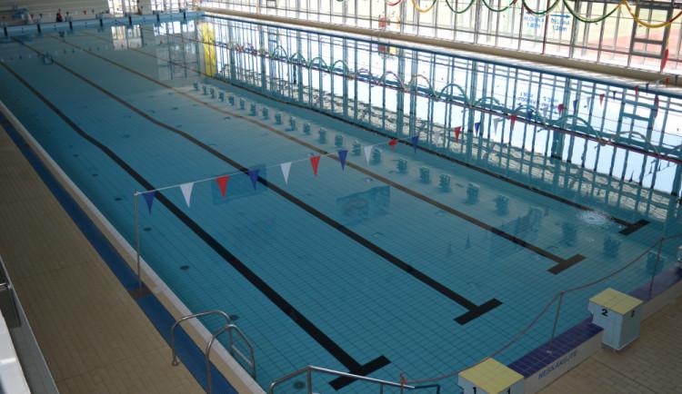 Bazén se po odstávce opět otevírá. Prošel řadou oprav