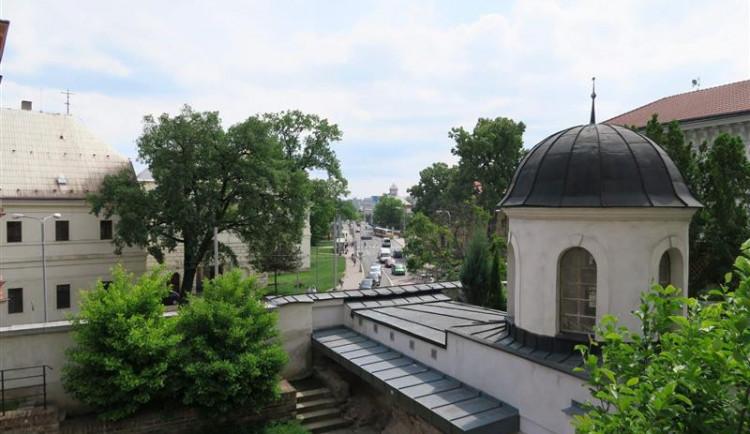 Oprava schodiště Bono publico v Hradci Králové se chýlí k závěru