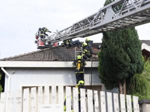FOTO: V Malšovicích hořel rodinný dům. Požár zavinila nedbalost
