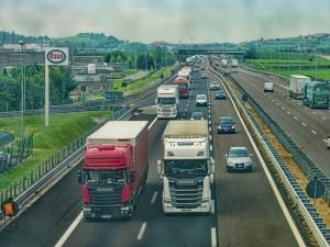 FOTO: Stavba dálnice D11 pokračuje! Začala výstavba 420metrového mostu