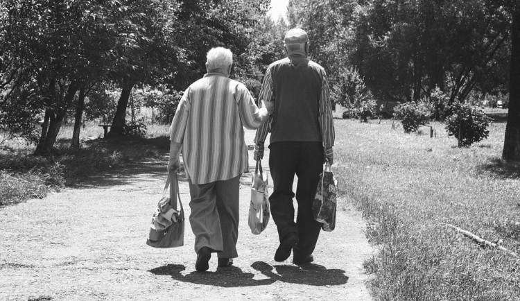Obyvatelé v Královehradeckém kraji rychle stárnou. Jsou nejstarší v ČR