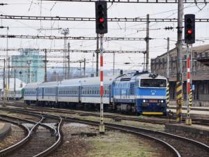 Obyvatelé Hradce se obávají rozšíření trati do Opatovic