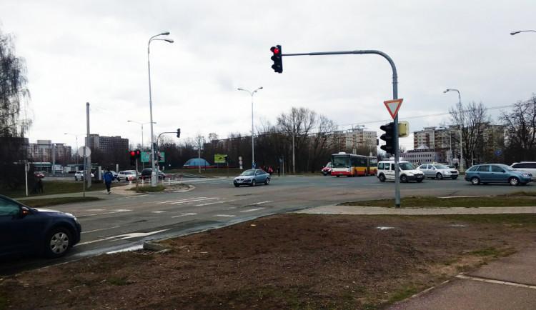 Nejvytěžovanější křižovatka v Hradci se konečně dočká rekonstrukce