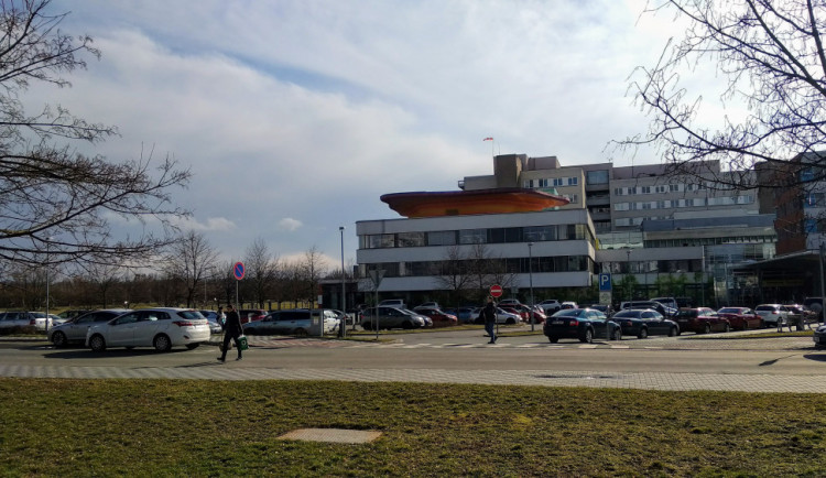 Parkoviště u fakultní nemocnice se začne stavět v pondělí