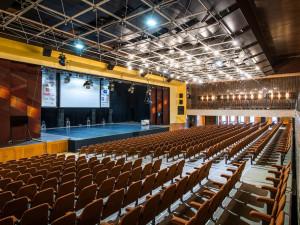 Největší centra pro konání mnoha akcí má Hradec Králové s Trutnovem