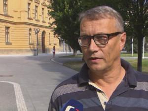 Exprimátora Hradce Dvořáka znepokojuje růst populismu a překvapuje účast komunistů v parlamentu