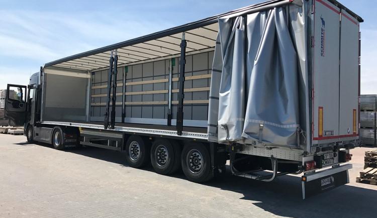 Tři migranty, kteří se z Afghánistánu dostali až do Rychnova, zadrželi zaměstnanci firmy