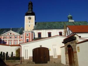 Hradecký kraj odpustí benediktinům půjčku 1,3 milionů korun
