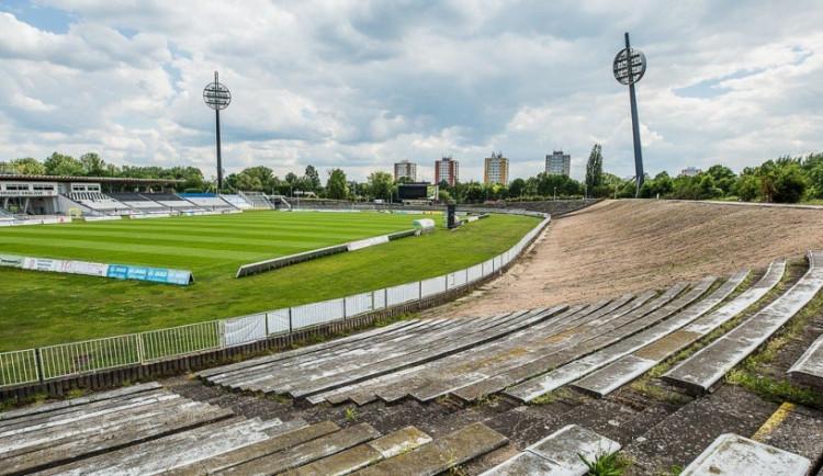 O postupu výstavby fotbalového stadionu má být jasno v únoru