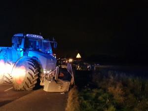 V neděli večer se stala tragická nehoda u Ruseka. Řidič se čelně střetl s traktorem