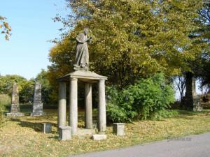 Na Hradecku jsou další dva opravené pomníky obětem války 1866