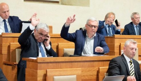 V hradeckém kraji je zatím pět kandidátů do Senátu
