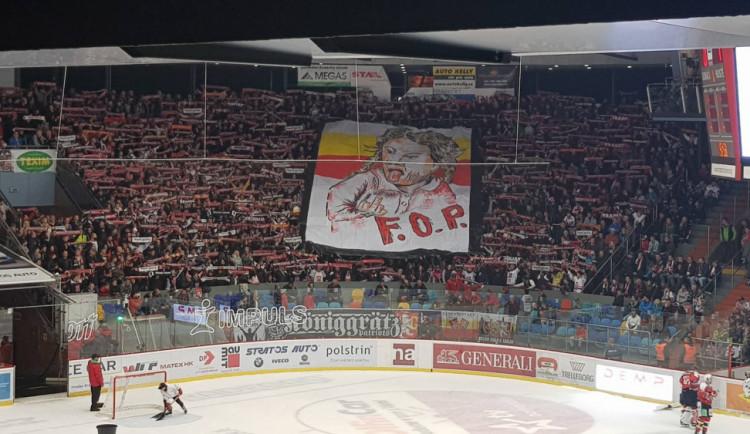 Rival slaví! Hokejové derby o východní Čechy se Mountfieldu vůbec nevydařilo