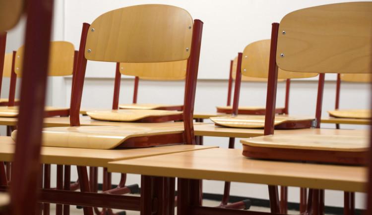 V hradeckém kraji se nakonec ke stávce učitelů připojí výrazně méně škol než se předpokládalo