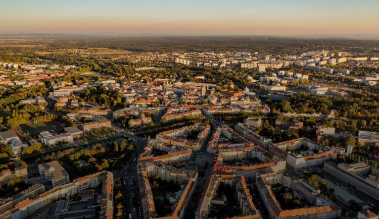 Hradec a Pardubice si mohou mnout ruce. Od EU dostaly už tři miliardy korun