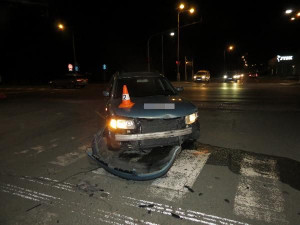 Muž zavinil u Pilňáčka nehodu, auto nechal na místě a utekl. Policie po něm pátrá