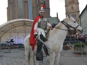 I letos přijede pod Bílou věž Martin na bílém koni. Už v pondělí odpoledne