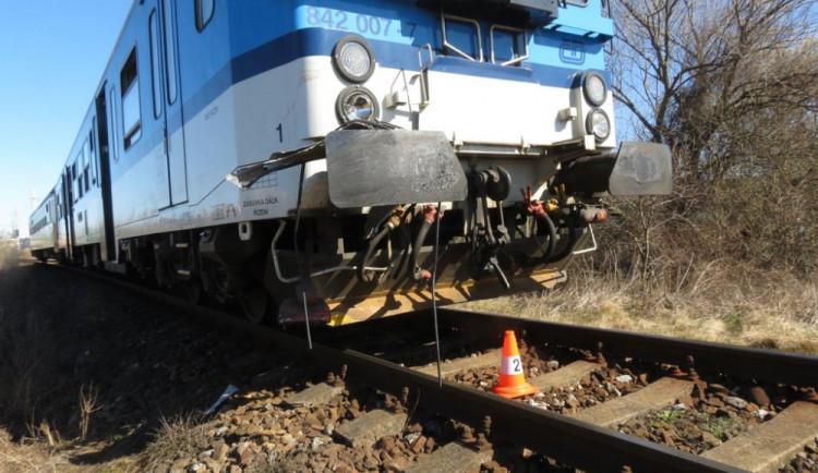 Vlak v Třebechovicích na Hradecku srazil a usmrtil člověka. Cestující musí využít náhradní dopravu