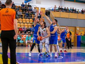 Hradečtí basketbalisté zvládli těsným výsledkem důležitý souboj s Brnem