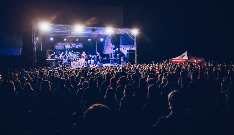 Festival Na jednom břehu se v pozměněné podobě uskuteční i za rok. Město nás nemá snahu už víc podpořit, zní od pořadatelů