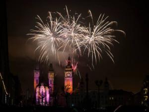 KOMENTÁŘ: Novoroční ohňostroj rozděluje obyvatele Hradce. I tak by ale měl zůstat, je to tradice