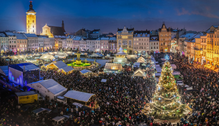Ve srovnání sjinými městy jsou vánoční trhy vHradci jen chudým příbuzným