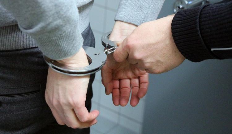 Hradecký soud potrestal muže za dětskou pornografii, dostal tři roky vězení