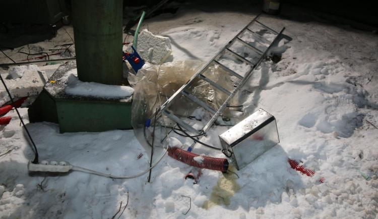 Při údržbě lyžařského vleku na Trutnovsku zemřel muž, kterého usmrtil tažný mechanismus vleku