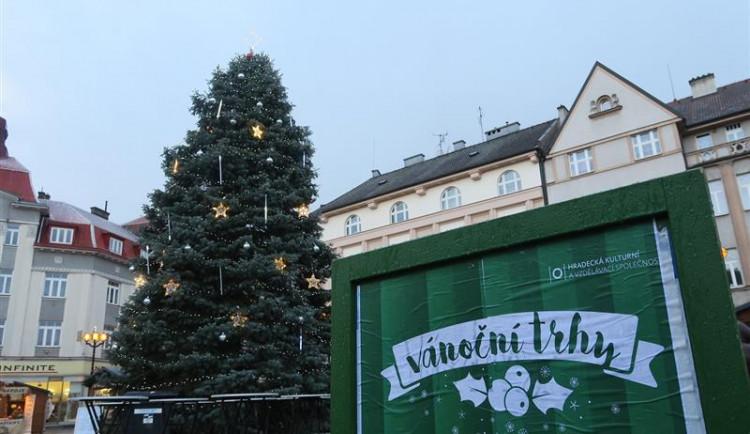 Startují vánoční trhy na Masarykově náměstí, potrvají do 22. prosince